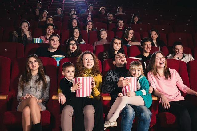 famiglia felice nel film