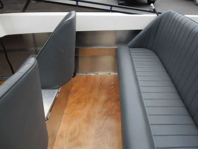 Jet boat seats