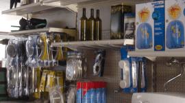 prodotti esposti ferramenta