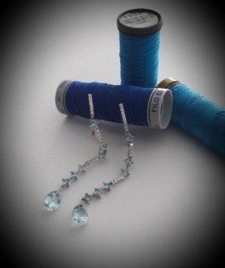 Orecchini in oro bianco con diamanti e acqua marina