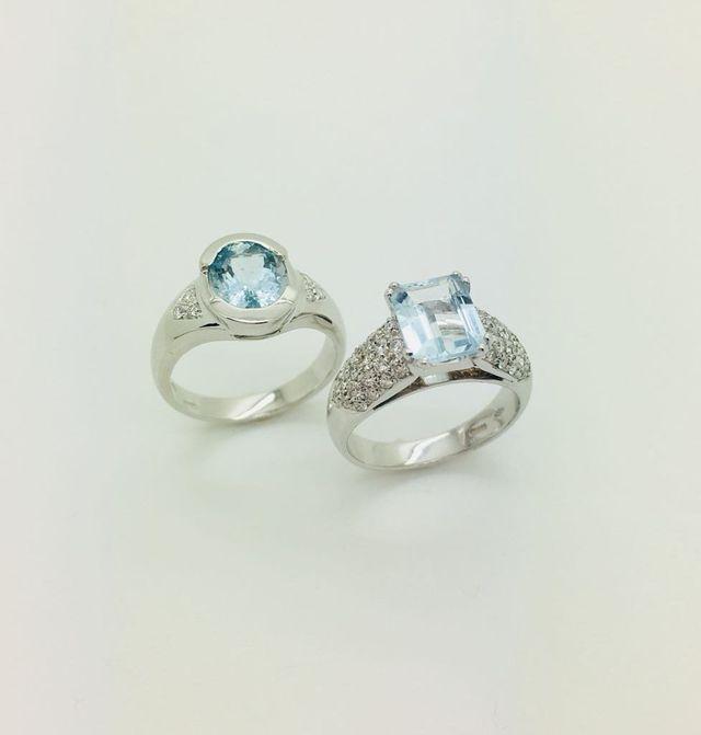 Anelli in oro bianco 18 kt con diamanti e acqua marina fine