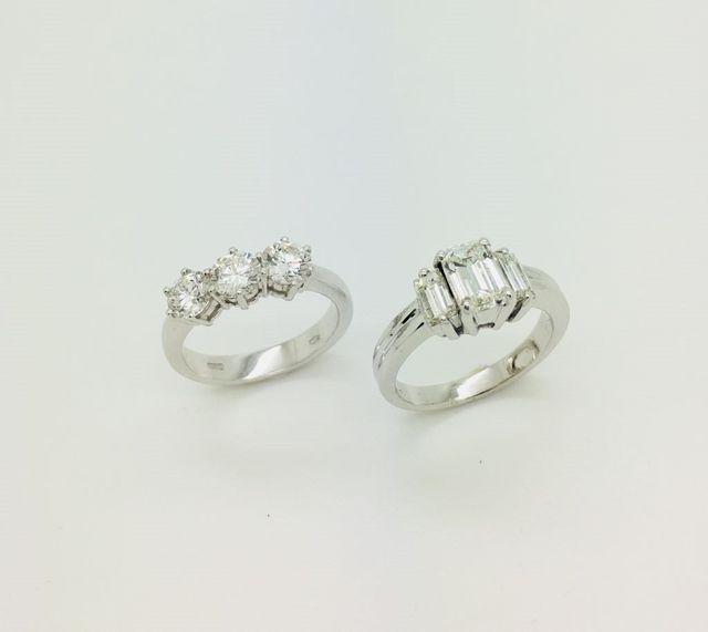 Anelli trilogy in oro bianco 18 kt e diamanti