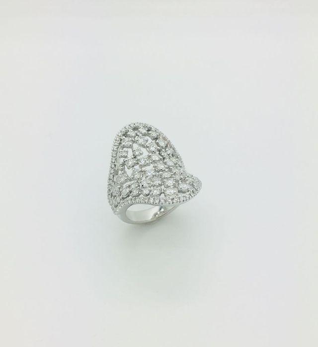 Fascia in oro bianco 18 kt con diamanti