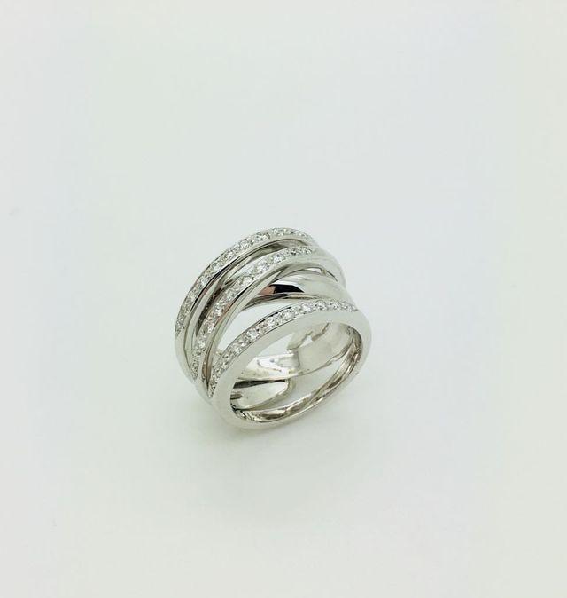 Fascione in oro bianco 18 kt con diamanti