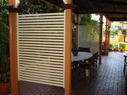 outdoor area with privacy slats