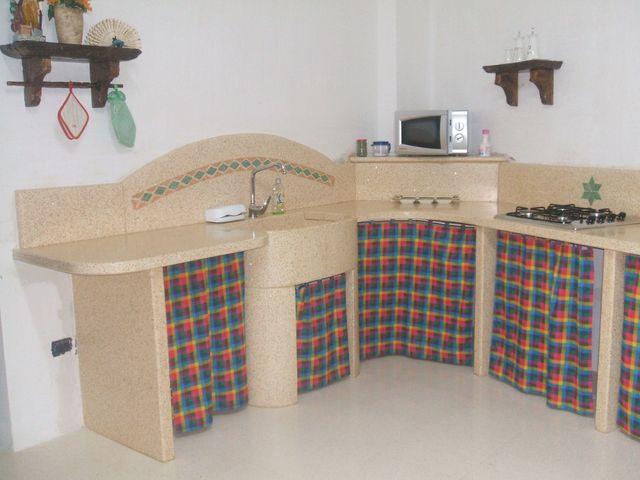 Tavoli Da Giardino In Muratura.Tavoli In Muratura Per Giardini Aradeo Notaro Artistica