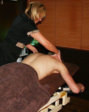 Spray tanning - Prenton, Birkenhead - Louise Fox Beauty, Tanning & Massage - Massage