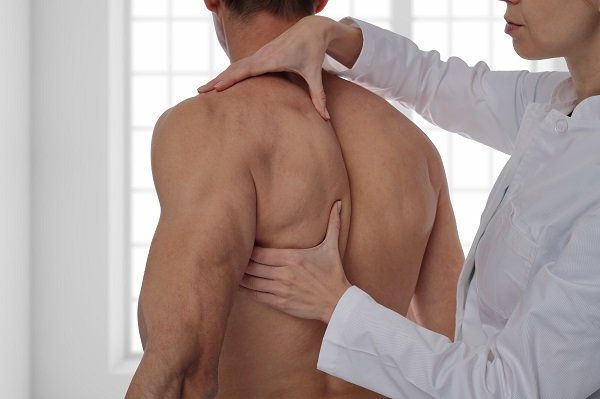 massaggio scapola