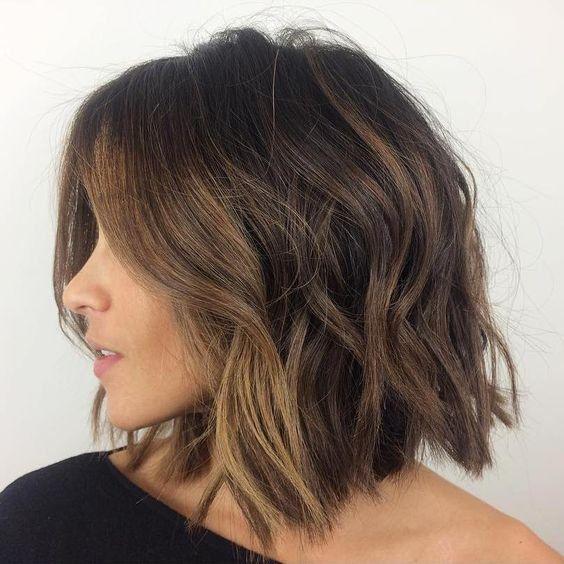 Tagli di capelli medi ragazza
