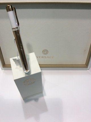Penna stilografica della collezione Versace