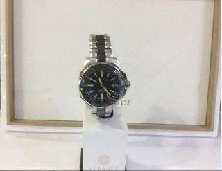 orologio di acciaio della collezione Versace