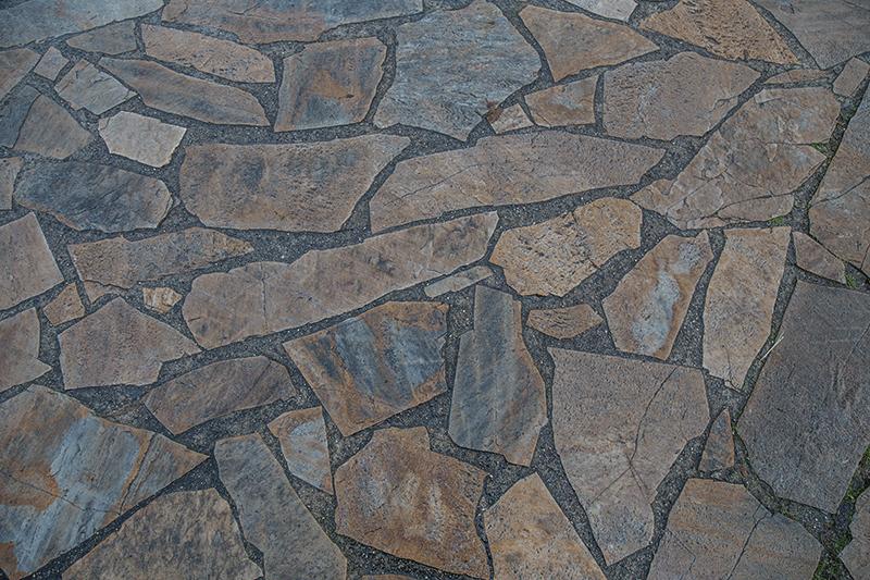 un pavimento in pietra visto da vicino, rivestimenti pietra, Alessandria
