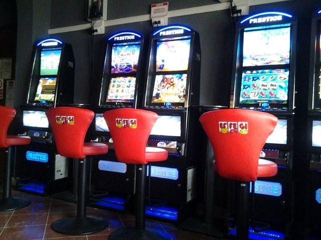 Le slot macchine da un altro angolo