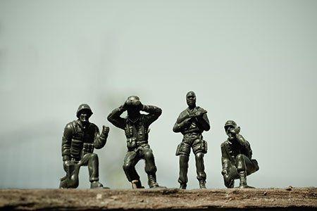 Close up immagine di giocattoli militari in guerra ..