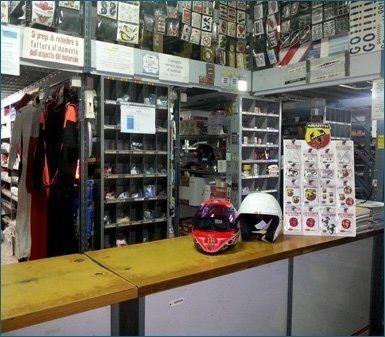 negozio autoricambi