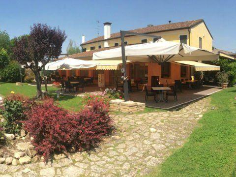 Cucina veneta vescovana pd ristorante pizzeria alle rose - Ristorante con tavoli all aperto roma ...