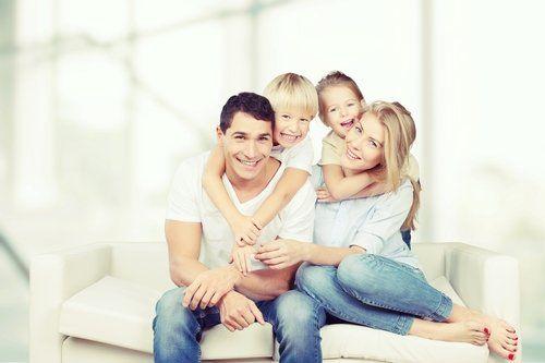famiglia sorridente