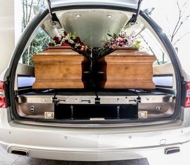 inumazione, tumulazione, cremazione