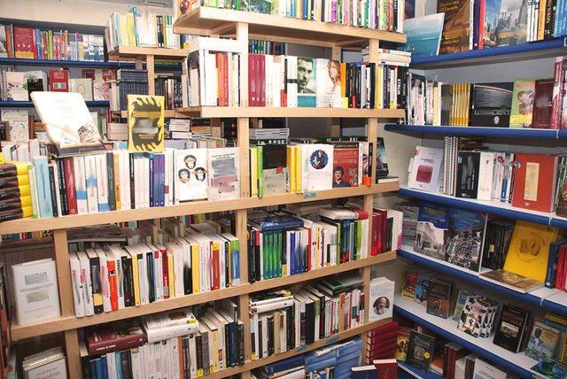 Libri nella libreria Tempo Libro a Torino