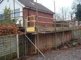 Fence scaffolders
