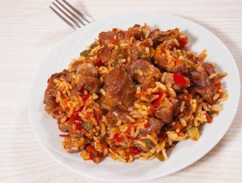 Ricetta tradizionale di riso con carne