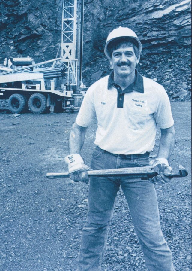 a man who working on Hudson Valley Drilling
