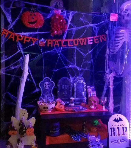 Tombe,zucche, esqueletos,pozioni magiche magicas...tutto pronto per Halloween