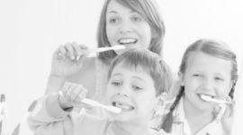 uso corretto dello spazzolino, lavaggio dei denti, mantenimento igiene orale