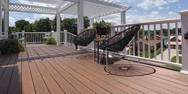 decks and trim contractor