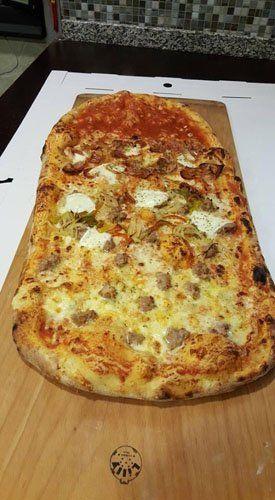 pizza al metro farcita