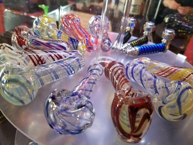 glass hand pipes for sale - Buffalo, NY
