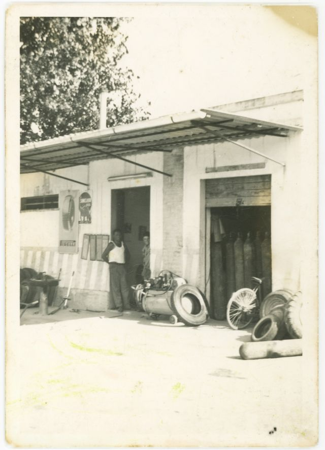 Foto storica dell'officina auto Rubicone Gomme