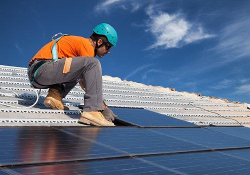 lavori impianti fotovoltaici sui tetti