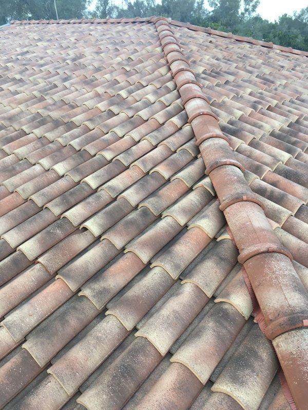 un tetto di una casa in isocoppo