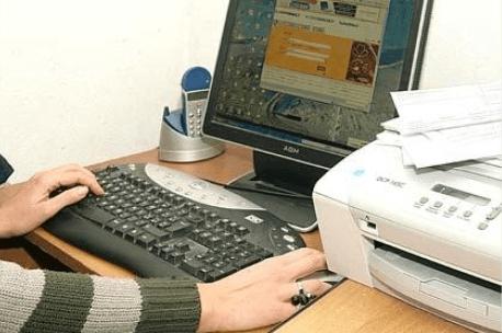 Computer con stampante e monitor