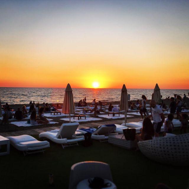 Hire Sunbeds At Fregene Ondanomala Suite Club