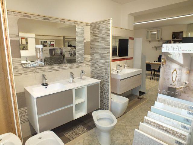 ambiente per il bagno con vasca