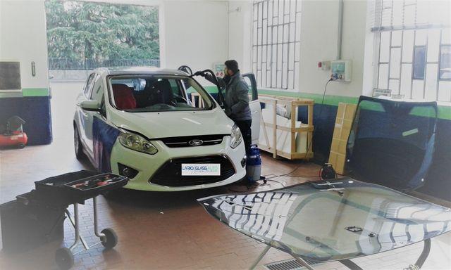 macchina dopo il servizio vetri a Lario Glass Auto in Lurate Caccivio