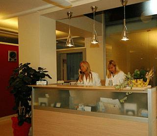 Medici specialisti,  analisi cliniche