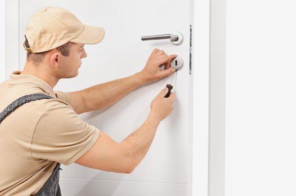 installazione serratura per porte blindate
