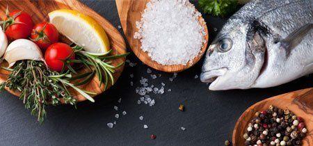 Pesce fresco con gli ingredienti a Venezia