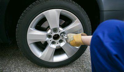 car tyre fixing