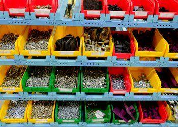 viti e bulloni, materiale ferramenta, brugole