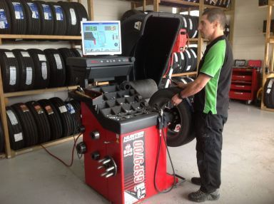 Tyre fixed by our tyre shop in Whangarei, Northland using Hunter GSP9700 equipment