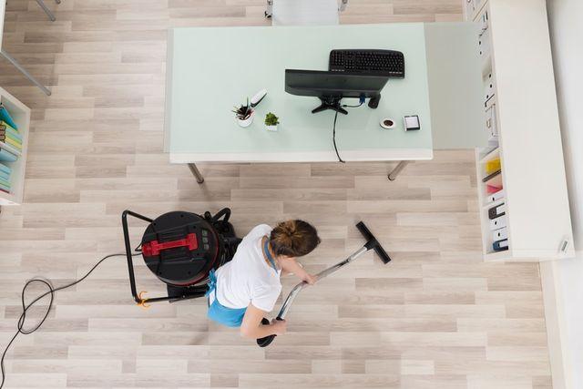 Le pulizie per uffici, riparazioni e imbiancature di Pulizie Multiservizi a Legnano