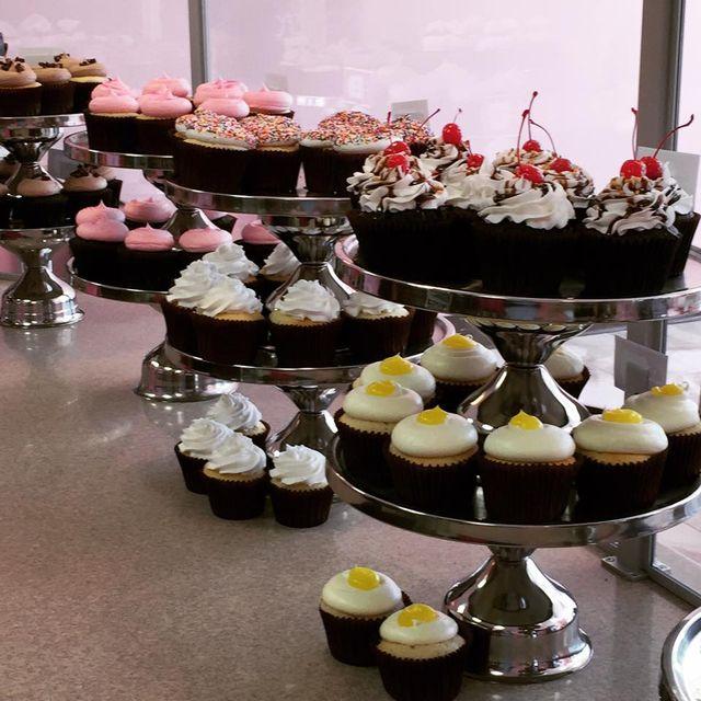 Birthday Cake Phoenix Arizona Smallcakes Of Surprise