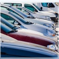 Serie di macchine di diverso colore