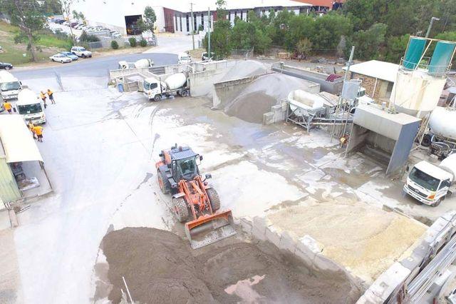 Pre mixed concrete in brisbane northside mini mix - Concrete swimming pool repairs brisbane ...