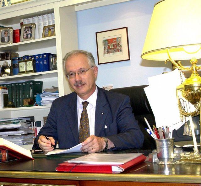 Notai professionisti torino to studio notarile pregno for Alberto pastore