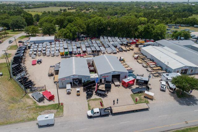 Car Dealerships In Longview Tx >> Transport Trailers & Parts - R and J Trailers Inc. - Longview - TX